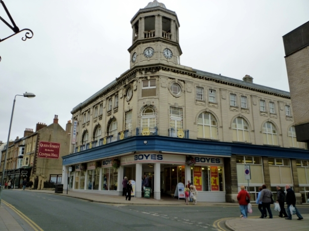Boyes' flagship store in Scarborough (16 Aug 2010)