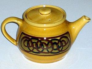Brixham Pottery interlocking circles tea-pot. Made in England.