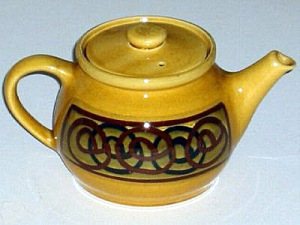 Brixham Pottery interlocking circles tea-pot. Made in England.