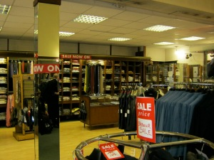 Cardiff store Calders shut days before Christmas 2013. (3)