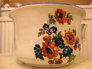 Newhall chamber pot, made c.1930-51.