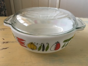J.A. Joblings Pyrex cassarole dish. Made in England. View 2.