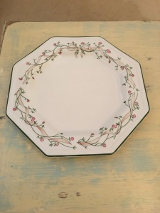 "Johnson Bros plate ""Eternal Beau"" dinner plate, dated 1981. Made in England. Photograph by author."
