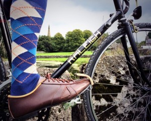William Lennon & Co Arturo cycle touring shoe in use. The Arturo cycle touring shoe is made in Britain.
