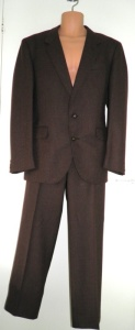 Dunn & Co 100% wool suit, made in England. Dunn & Co ceased trading in 1996.