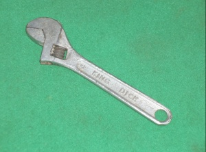 VINTAGE KING DICK 4 INCH ADJUSTABLE SPANNER, marked on one side KING DICK and on the reverse BRITISH CHROME STEEL MADE
