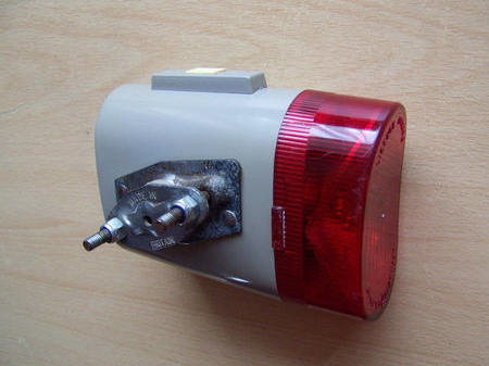 VINTAGE EVEREADY 1960's BICYCLE LAMP. Made in England. Sadly Everready no longer made bike lights in the UK.