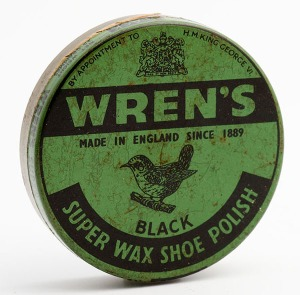 Manufactured sometime between 1936 and 1952. By appointment to H. M. King George VI Wren's Made in England since 1889 Black Super wax shoe polish. Mfrs. Wm Wren Ltd, Watford, England. Net weight 25 grammes. 6m diameter, full and unopened, tin. http://www.blancoandbull.com/boot-cleaning/wrens-polish/