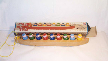 Escor wooden Pullalong toy. Made in England.