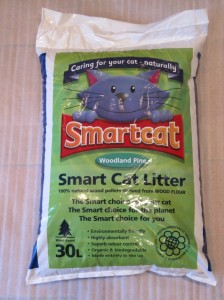 Smartcat cat litter. Wood based. Made entirely in the UK