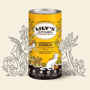 Lily's Kitchen Crunchy Nibbles - Delicious Chicken dry cat food. Made in the UK. Note all Lilly's kitchen dog and cat wet food is foreign made and only some Lily's Kitchen dog and cat dry food is UK made.