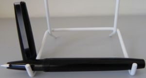 A vintage Platignum Cadet fountain pen. Made in England.