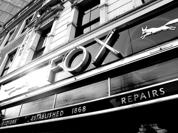 Fox shop, April 2011.  The original Fox Shop is still standing at 118 London Wall, but is not owned by Fox Umbrellas Ltd. The shop being a grade II listed building means whoever currently occupies the shop is unable to change the exterior fascia of this landmark building. Photo from the Fox Umbrellas website 20.8.13
