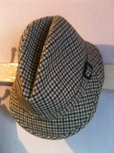 A vintage AIS Squire tweed hat (mixed fibres) m- made in England. Photograph by author. 29.12.13