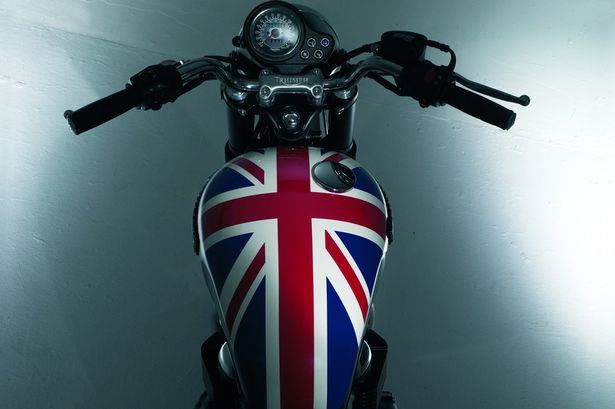 Union-Jack-on-Petrol-tank-of-Triumph-Motorcycle-3183058