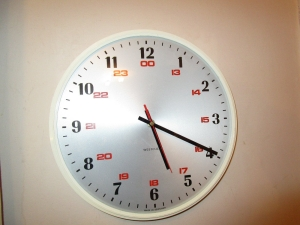 Vintage Westclox Battery 24 Hour Wall Clock. Made in Scotland