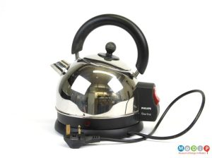 Vintage Philips type HD 4601Filterline electric kettle. c. late 1990s. Made in England (front view)
