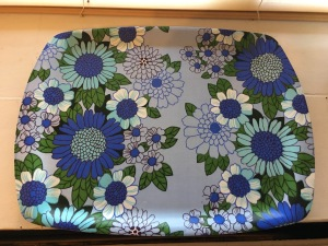 A vintage THETFORD melamine tray, blue flowers design (top view). Photograph by author.
