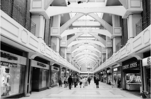 Selfridges from inside the Westgate Shopping Centre in 1986 (the Westage had just had a £3m re-vamp at that time).
