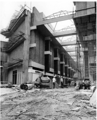 The Westgate Centre takes shape in 1972, Selridges as will be on the left hand side