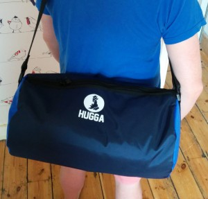NAVY & ROYAL HUGGA HOLDALL. An affordable holdall that's made in Britain.