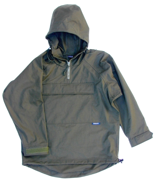 Snowsled Classic overhead smock in olive with a single pouch pocket. Amde in Britain.